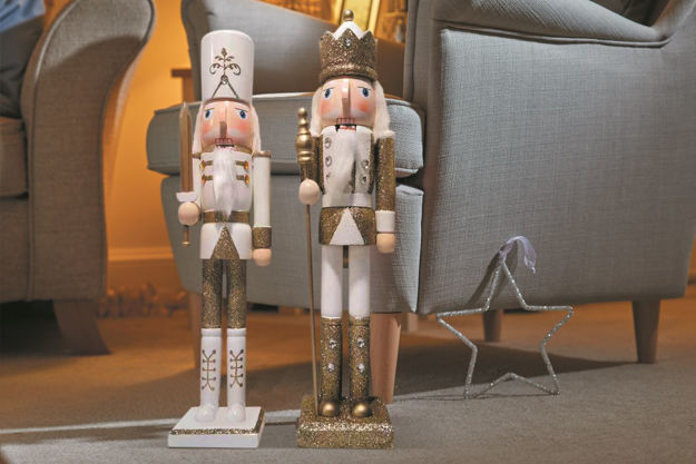 Picture of NUTCRACKER GOLD/WHITE JUMBO 70CM