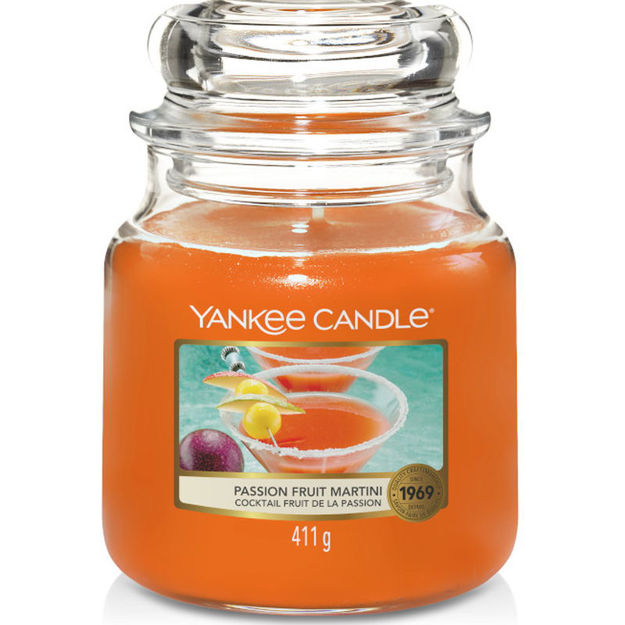 Picture of YANKEE CANDLE - MEDIUM PASSION FRUIT MARTINI